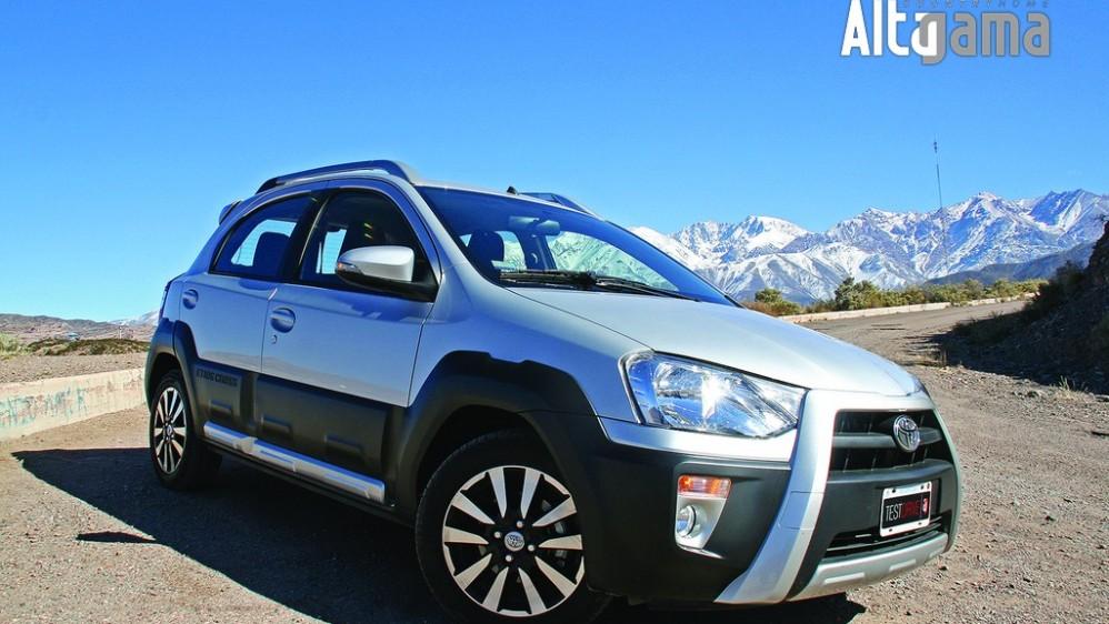 Test drive Toyota Etios