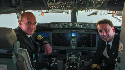 Bautismo nuevo Boeing 737 MAX8