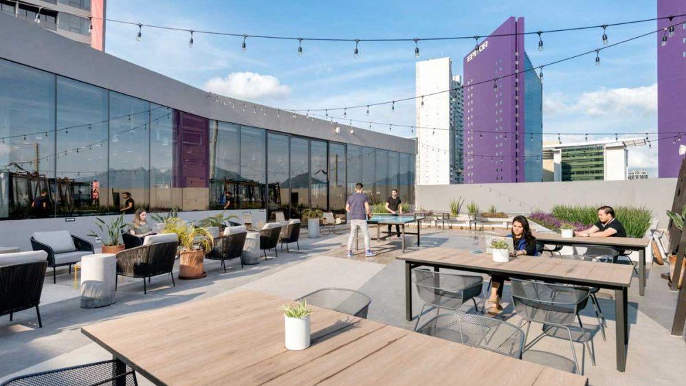 WeWork apuesta por los espacios exteriores para la vuelta al trabajo
