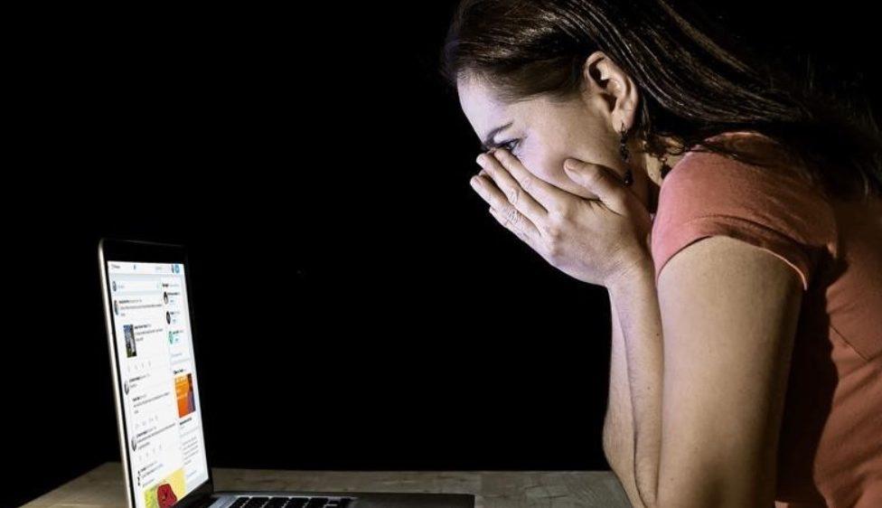 6 de cada 10 mujeres y niñas han sufrido abusos on-line